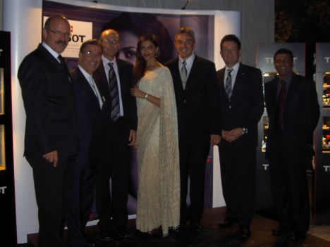 "Bollywood Regisseur Yash Chopra wird ""Ambassador of Interlaken"""